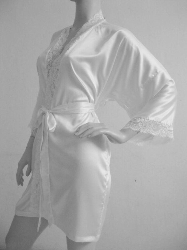 b49655233599 Bridesmaid Robe White lace wedding robes bridesmaid silk robe