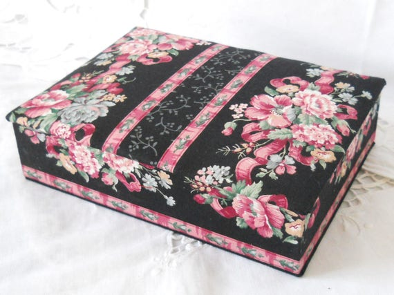 Fabric Box With Lid Trinket Box Jewelry Box Decorative Box Fabric Jewelry Box Pink Floral Keepsake Box French Cottage Decor