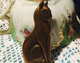 Bronze Sitting Cat Brooch