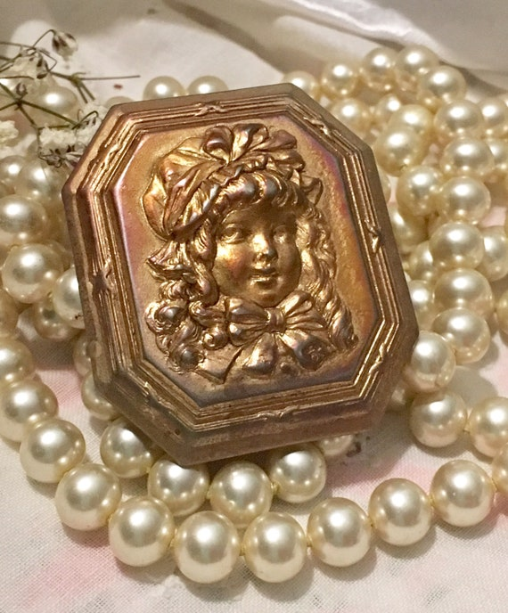Edwardian Brooch~Girl with Bonnet ~Beautiful Vict… - image 1