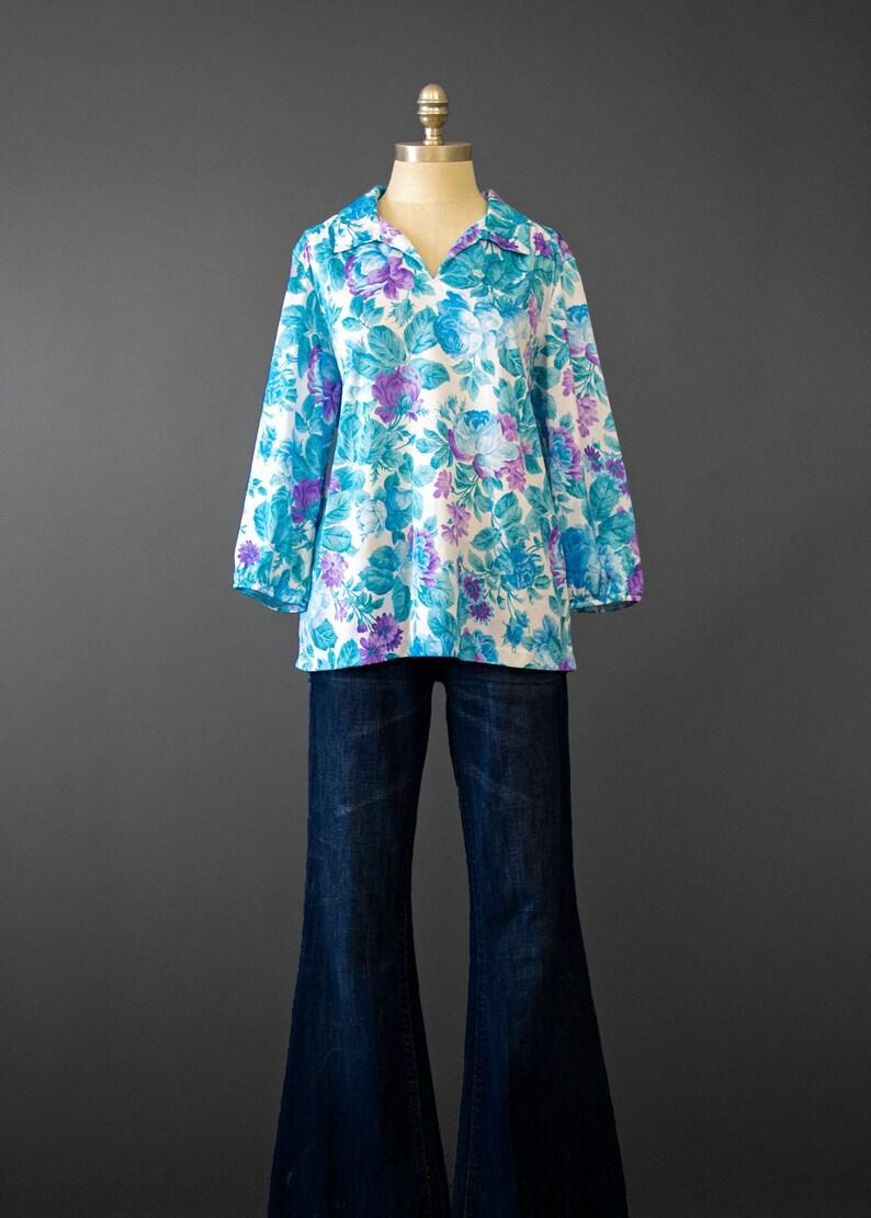 1970s Cabbage Rose Print Floral Shirt Floral Print Smock Top LXL White Purple Aqua Blue Vintage 70s Floral Blouse
