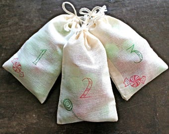 Advent calendar set.  24 muslin drawstring bags. Reusable advent countdown set. Rustic chic decoration for the holidays. Candy design.
