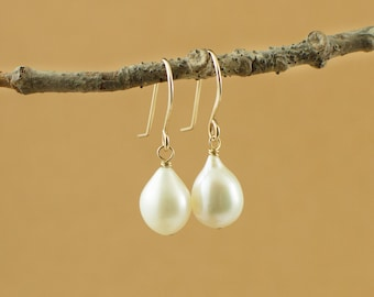 Genuine pearl drop earrings - bridal jewelry - white teardrop pearl  - minimalist pearl earrings - freshwater pearl earrings - gift under 50