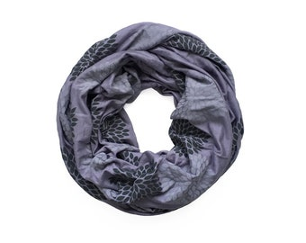 INFINITY SCARF - Gray Double Flowers on Amethyst