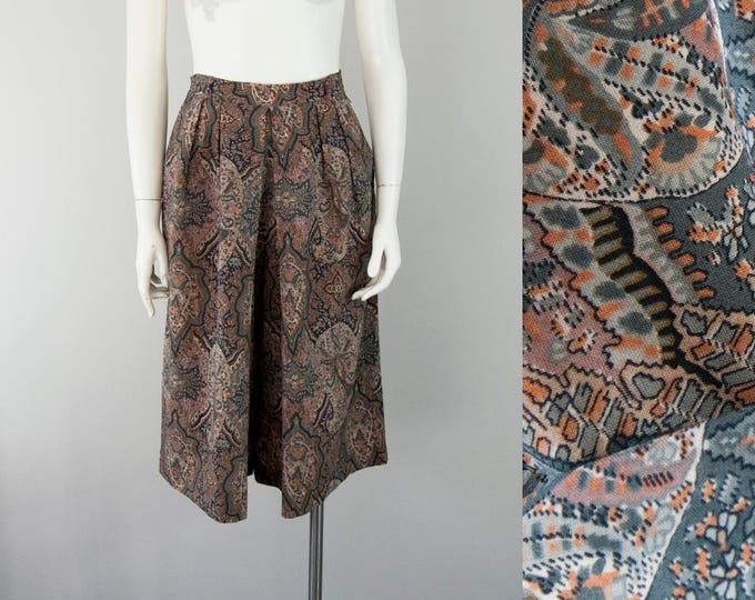 """70s Vintage Paisley Pleated Wool High-Rise Trouser Shorts (S; 25 3/4"""" Waist )"""