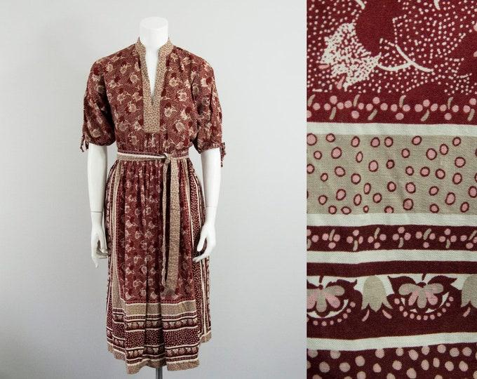 70s Vintage Floral Dotted Print Midi Dress (M)