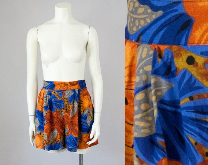 80s Vintage Bobbie Brooks High Waist Floral Rayon Print Shorts (S, M)