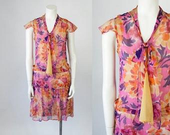 1920s Silk Chiffon Floral Print Dress with Bow Tie and Drop Waist. 20s Flapper Dress (XS)