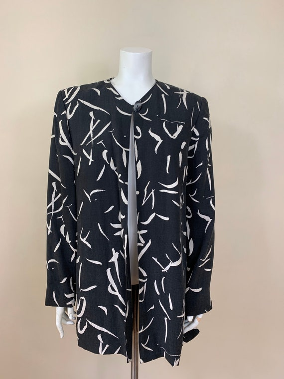 Vintage Collarless Black and White Floral Abstract