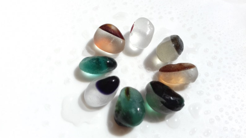 Collection of 8 Seaham Sea Glass multies in various shades  image 0