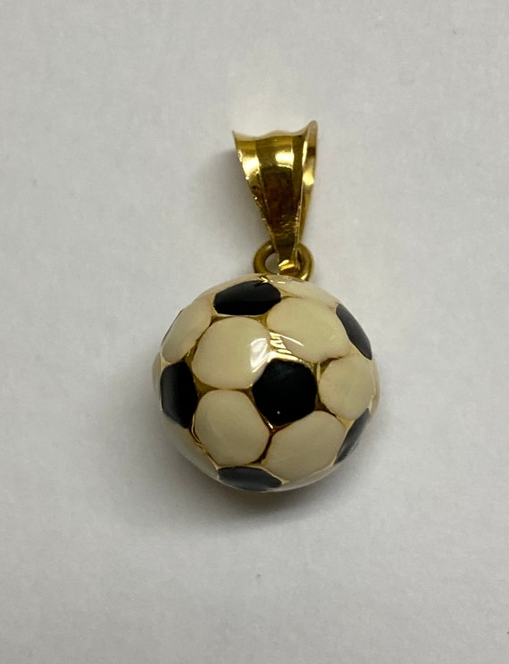 Hey Soccer Moms! Pre Owned 18kt soccer ball pendan