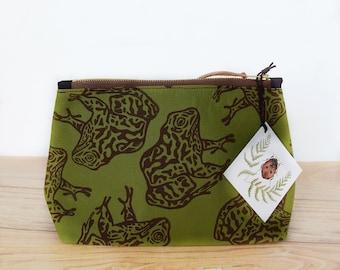 Gopher Frog Green Block Printed Zipper Pouch