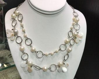 Vintage Dangling Flower Necklace