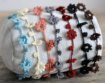 Delicate crochet flower daisy chain bracelet