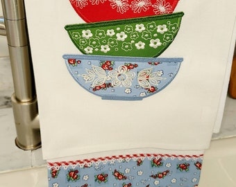 Pyrex Applique Vintage Bowls Trimmed Towel Set
