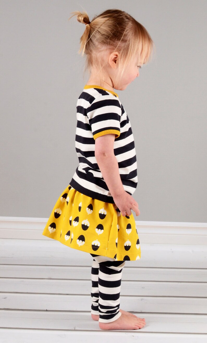Girls skirt sewing pattern pdf download // pattern and photo image 0