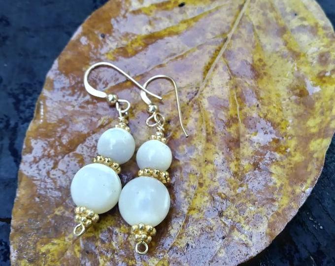 Mother of pearl earrings / recycled earrings / gold earrings / gold and pearl earrings