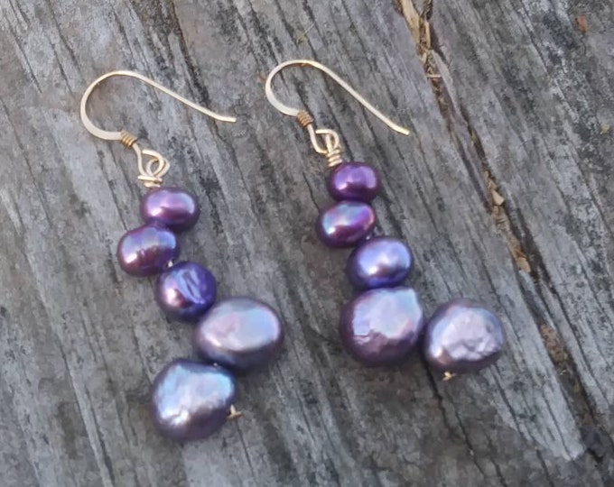 Purple Pearl earrings-  /bridesmaids jewelry/ pearl jewelry /classic pearls/ 14k gold/ bridal jewelry