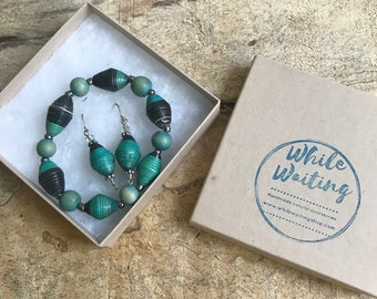 Green and black paper bead bracelet and earrings set/ handmade bracelet set/ eco- friendly gift set
