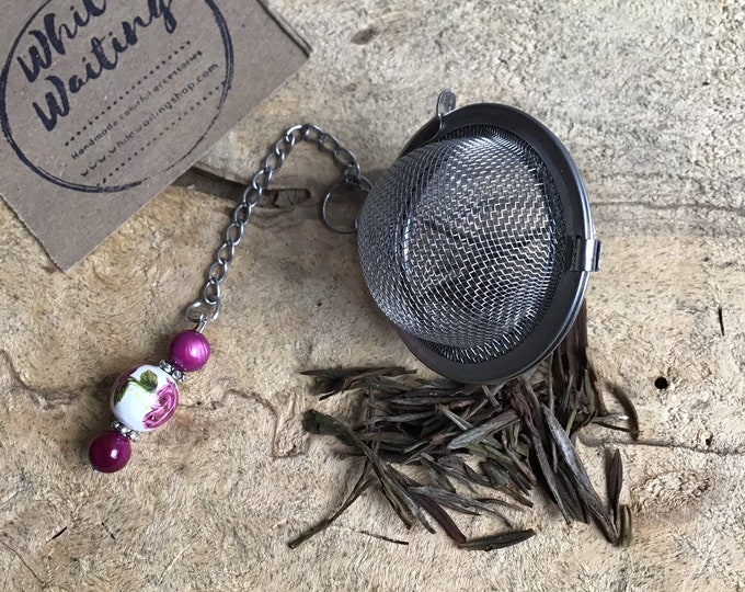 Tea infuser/ pink & white flower tea infuser/ tea strainer / loose leaf tea strainer/ loose leaf tea infuser