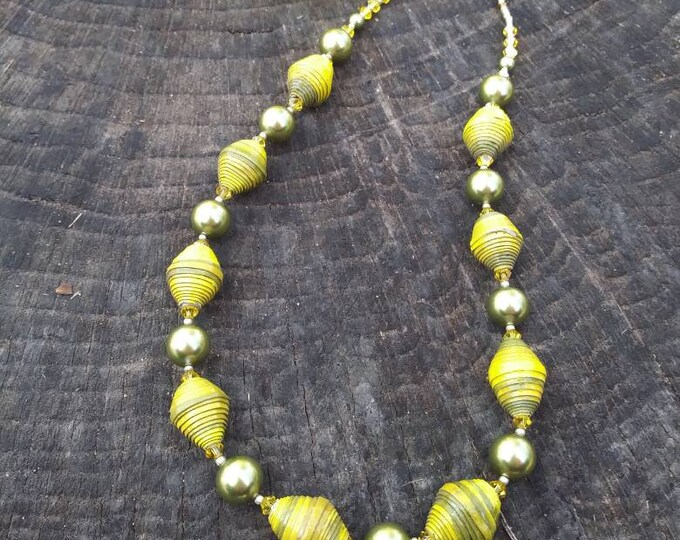 Yellow and lime green necklace/ paper and pearl necklace
