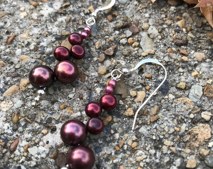 Pearl earrings- red Pearls/ Maroon Pearl /bridesmaids jewelry/ pearl jewelry / cranberry pearls/ Wine Pearls