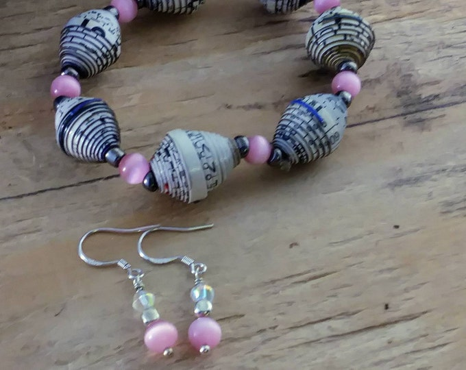 Bracelet and earrings set/ paperbeads & sterling silver / pink and white