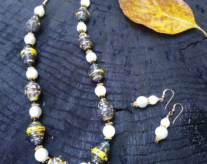 Vintage Mother of pearl beaded necklace / paper bead necklace / recycled necklace / Paper Bead necklace / black and white necklace