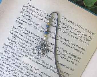 Honey bee charm bookmark/ pewter bee charm bookmark / bee gifts for readers