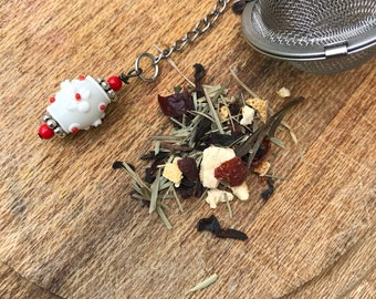 Tea infuser/ red & white flower tea infuser/ tea strainer / loose leaf tea strainer/ loose leaf tea infuser