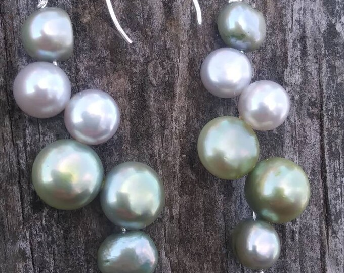 Pearl earrings- green /bridesmaids jewelry/ pearl jewelry green pearls