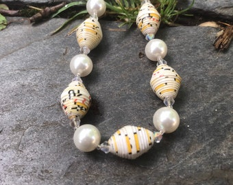 White pearl beaded necklace/ paper bead necklace/ pearl paper necklace/ statement piece/ ecofriendly pearl necklace/ bridal jewelry