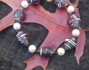Bracelet- Pearl & Haitian paperbead white/ black