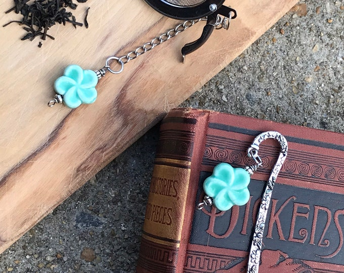 Tea infuser/ turquoise flower tea infuser/ tea strainer / loose leaf tea strainer/ loose leaf tea infuser bookmark set