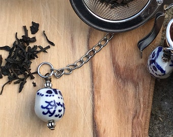 Tea infuser/ blue & white owl tea infuser/ tea strainer / loose leaf tea strainer/ loose leaf tea infuser/ bookmark set