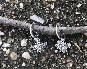 Small honeybee hoop earrings / silver hoop earrings / silver bee earrings