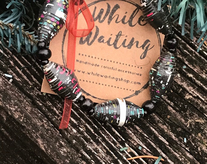 Wholesale / bulk bracelets/ recycled paperbead bracelets/ black& white red