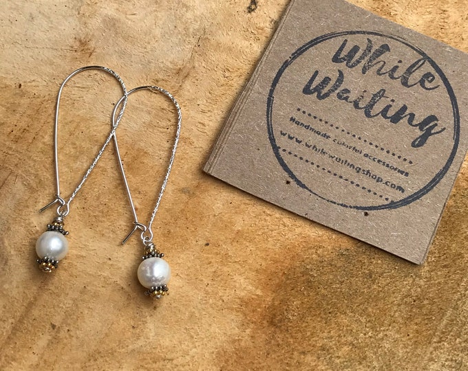Minimalist Pearl earrings- white pearl sterling silver/bridesmaids jewelry/ pearl jewelry classic pearls sterling silver/ bridal jewelry