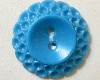 6 Vintage Matched Blue Early Plastic Buttons for Sewing and Crafting