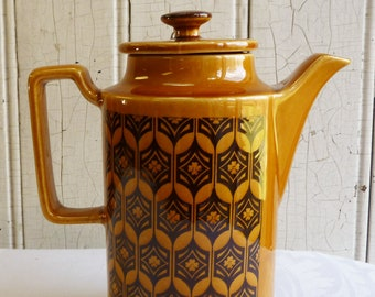 Vintage Royal Sealy Medieval Maize Coffee Pot - 1960s Amber, Dark Brown Coffeepot - Mid-Century Teapot - Earth Tones, Geometric Design