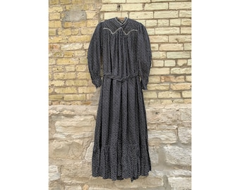 4256d2ce1e6 Antique 1800 s Civil War Era Black Calico Dress