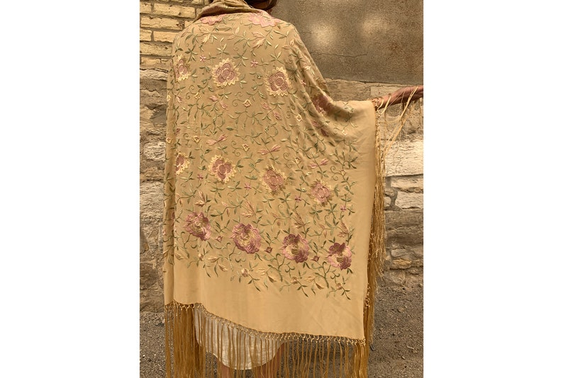 186e43a0ccf Antique / Early Vintage 1920's Embroidered Piano Shawl, Silk, Women's  Fringe Shawl, Floral, Cream Colored, Roaring 20's