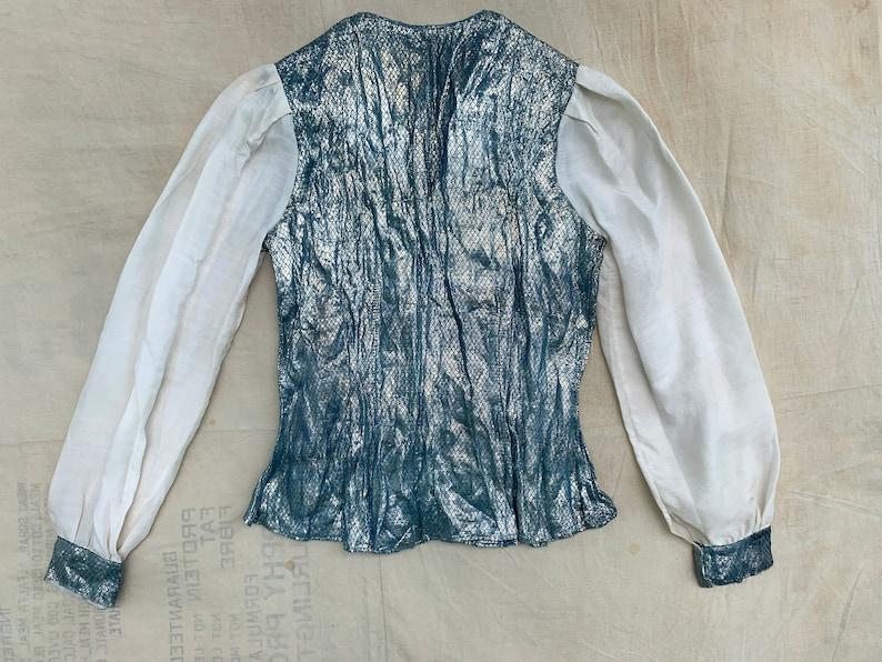 Women/'s 30/'s Vintage 1930/'s Metallic Lam\u00e9 Blue Button Up Blouse Top Mermaid Woven Top Fashion