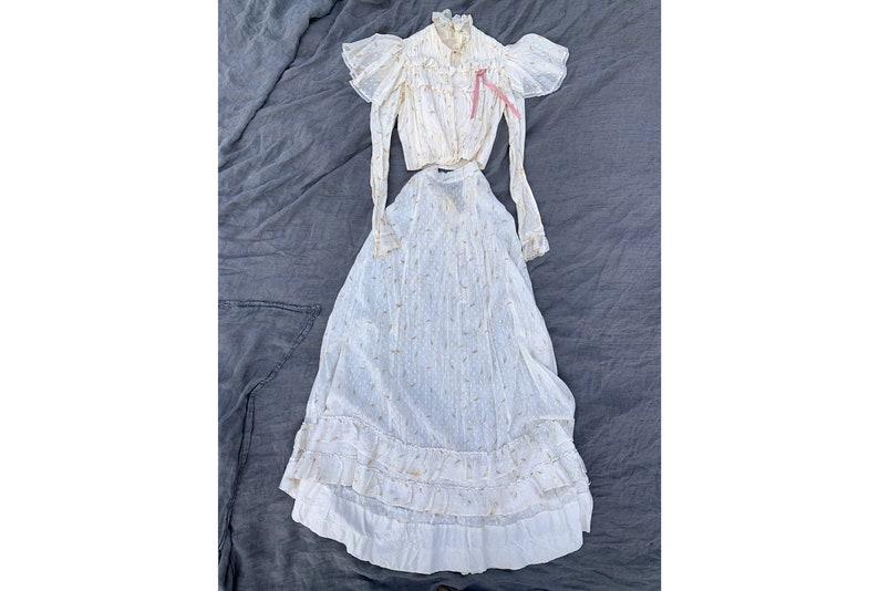 e4b52065a4308e Antique Victorian Two Piece Cotton Floral Walking Set Bodice