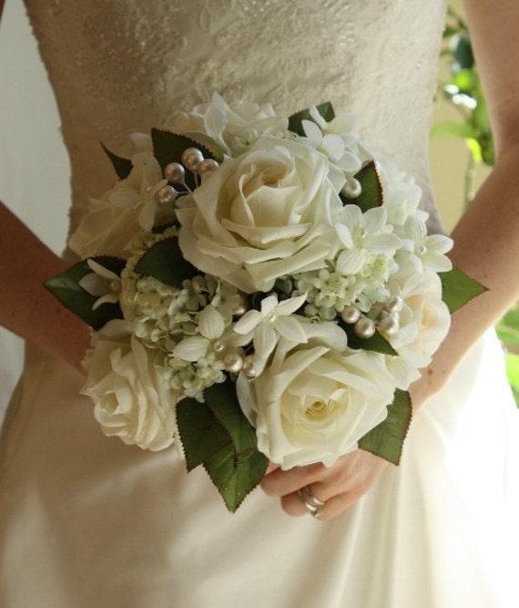 Bouquet Sposa Gelsomino.Articoli Simili A Bouquet Da Sposa Bianco Perle Rose Gelsomino
