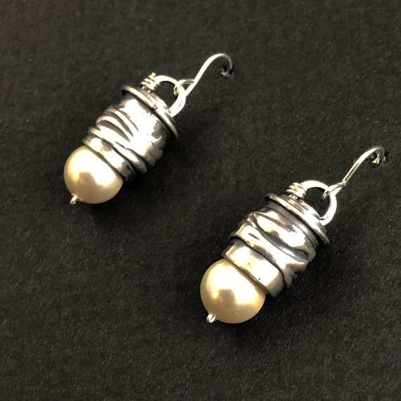 Silver and Pearl Earring