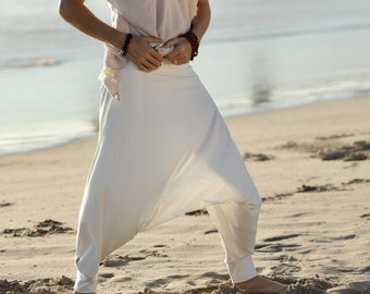 White Samurai Pants, Harem Pants Men, Glorka, Men Harem Pants, Mens Yoga Pants, Ninja Pants, Sarouel Homme, Burning Man Costume