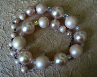 Vintage 1950s-60s Pink Taupe AB Pearly Large Bead Necklace by Laguna