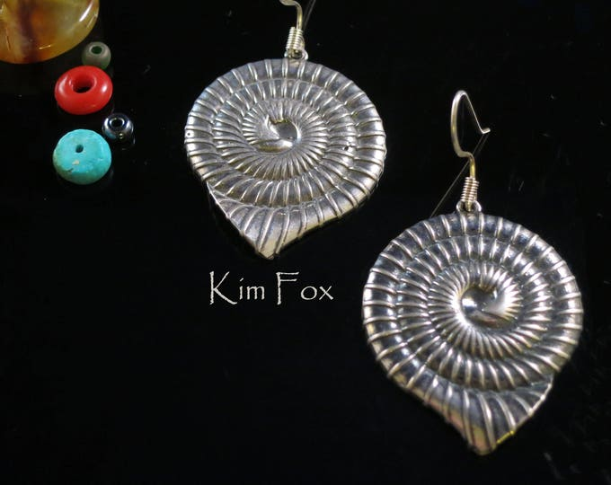 Nautilus Shell Earrings light and sizable in Silver by Kim Fox