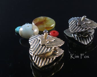 KF 215 Pumpkin Leaf Magnetic Clasp in Golden and White Bronze - Strong Magnetic clasp with 3 loops - Designed by Kim Fox
